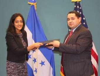 GOBIERNO DE HONDURAS FIRMA IMPORTANTE ACUERDO CON EL DEPARTAMENTO DE JUSTICIA DE LOS ESTADOS UNIDOS PARA LA PROTECCION DEL TRABAJADOR MIGRANTE HONDUREÑO CONTRA PRACTICAS  DE  DISCRIMINACION LABORAL.