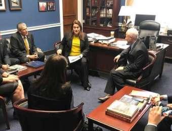 Congresistas estadounidenses proponen reforma migratoria integral que incluya a amparados por el TPS
