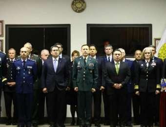 Máximas autoridades de la Junta Interamericana de Defensa reciben al presidente Hernández