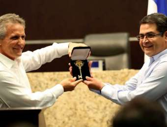 Doral entregará Llaves de la Ciudad al presidente Hernández
