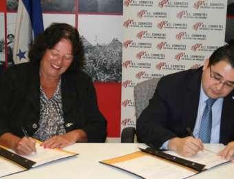 Embajada de Honduras y el Comité de los Estados Unidos para los refugiados e inmigrantes (uscri) firman importante acuerdo de protección al migrante hondureño.