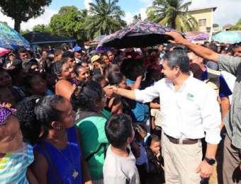Presidente Hernández: Ahora se debe buscar la regularización para los amparados en el TPS